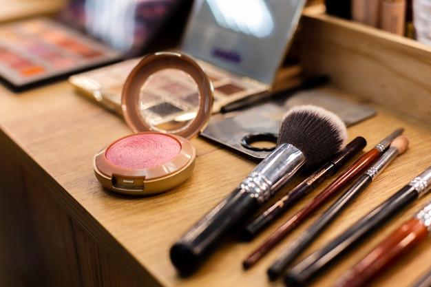 Set of brushes and blush