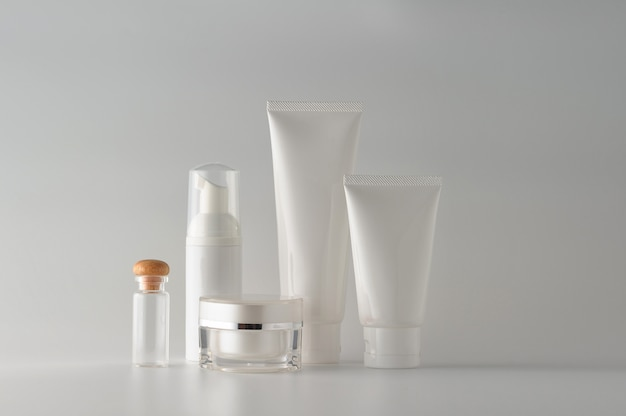 Set of cosmetic products on white background. cosmetic blank label for branding mock-up.