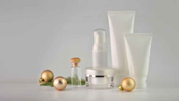 Set of cosmetic products on white background. cosmetic package mock up collection.