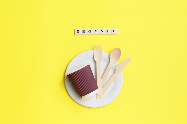 Set of eco-friendly disposable tableware from natural materials