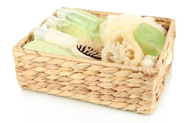 Набор для спа в плетеной корзине, на белом
