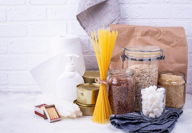 Набор основных продуктов в чрезвычайных ситуациях.