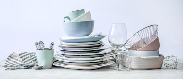 Набор красивой посуды Premium Фотографии