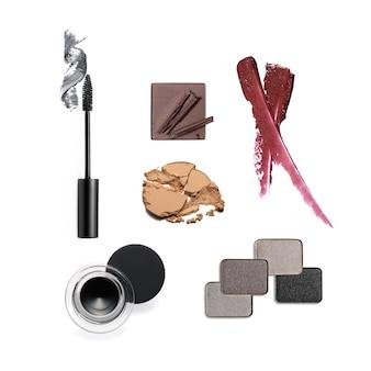 Набор косметических товаров, изолированные на белом фоне