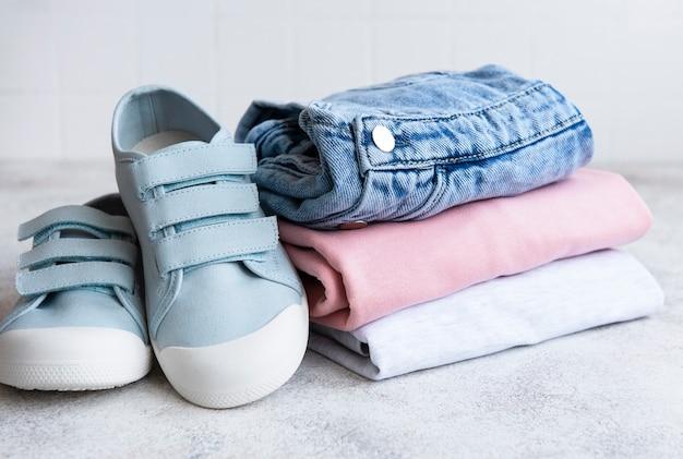 어린이 옷 세트 온라인 쇼핑의 개념