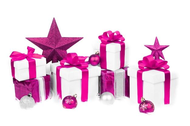 Набор рождественских подарочных коробок и рождественских украшений