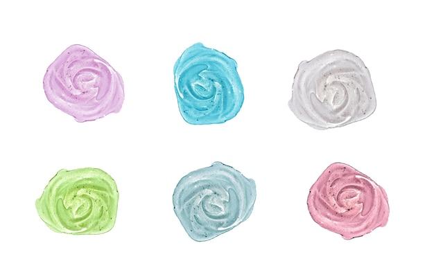Набор косметического геля, изолированные на белом фоне. коллаж разноцветных образцов прозрачной сыворотки. концепция продукта по уходу за кожей.