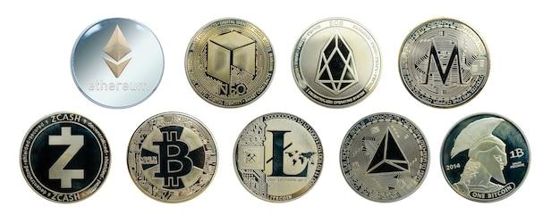 白い背景、上面図の金と銀のデジタル電子マネーシンボル、ビットコイン、その他の標識で分離された暗号通貨コインのセット