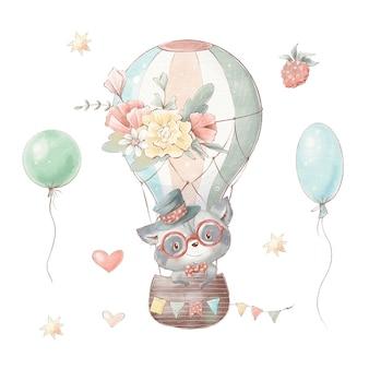 Набор милый мультяшный енот в шляпе летит на воздушном шаре с цветами.