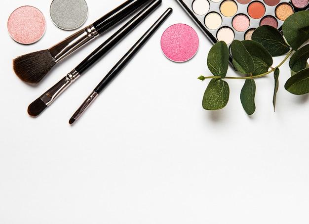 装飾的な化粧品のセット