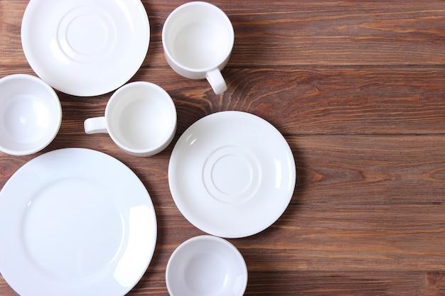 Набор посуды и кухонной утвари вид сверху
