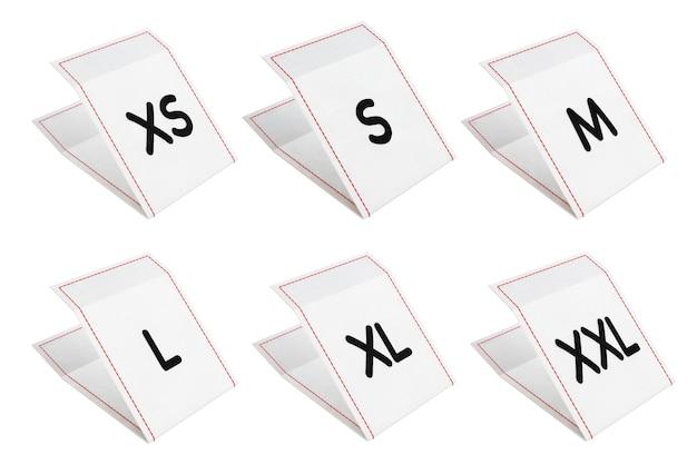 Набор тканевых бирок платья со знаком размера от xs до xxl на белом фоне. 3d-рендеринг.