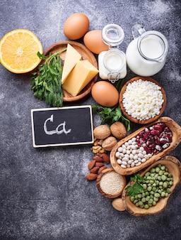 칼슘이 풍부한 음식 세트.