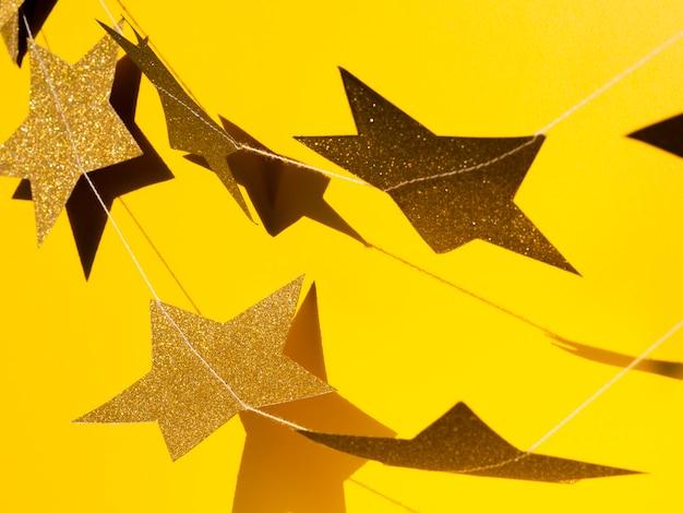 Набор золотых звезд с тенью