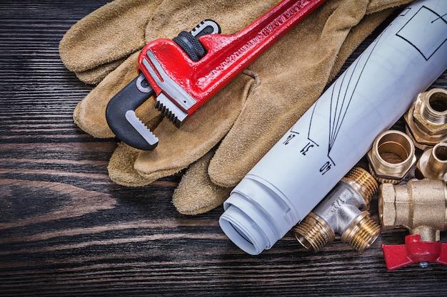 Набор инструментов для обслуживания на деревянной буарде