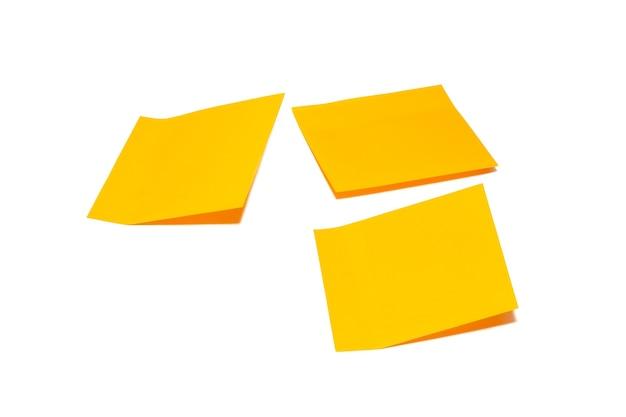 Набор оранжевых листов бумаги для заметок три липких заметки