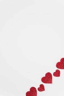 装飾的な赤い心のセット