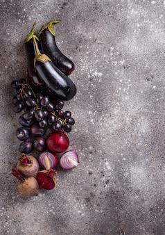 보라색 야채와 과일 세트