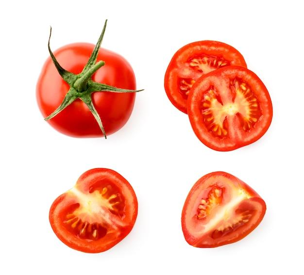 赤いトマトの半分と部分のセット
