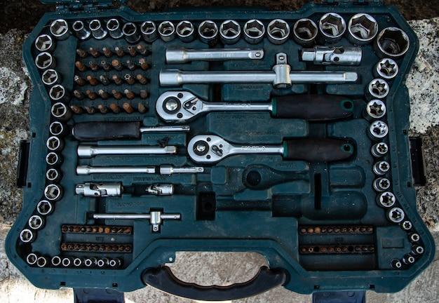 자동차 수리 도구 세트 플라스틱 상자에 소켓 렌치 세트