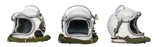 흰색 배경에 분리된 우주 헬멧 세트입니다.