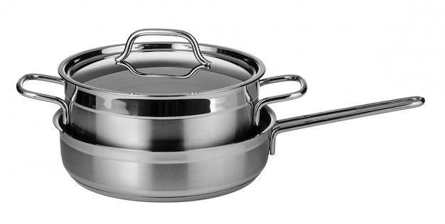 Набор посуды из нержавеющей стали, изолированный