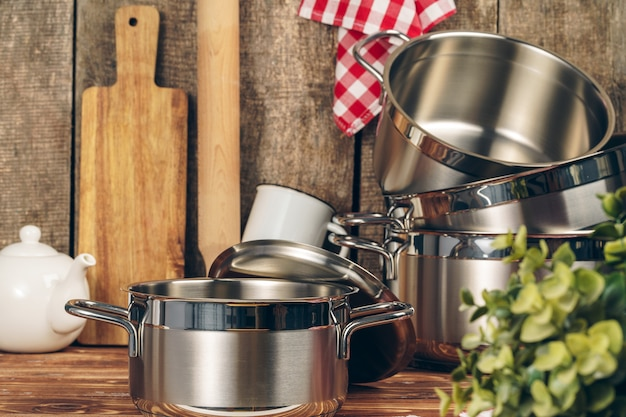 キッチンのステンレス鍋のセット