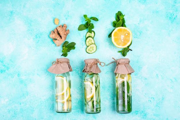 Набор различной здоровой воды для детоксикации