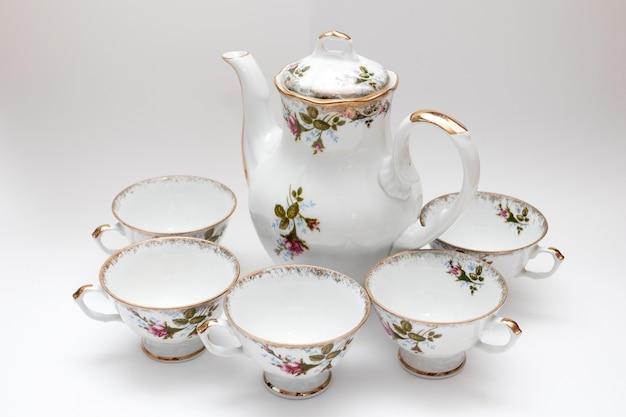 Набор винтажной посуды. фарфоровый чайный сервиз.