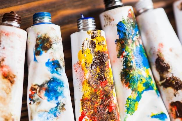 Set of paint tubes
