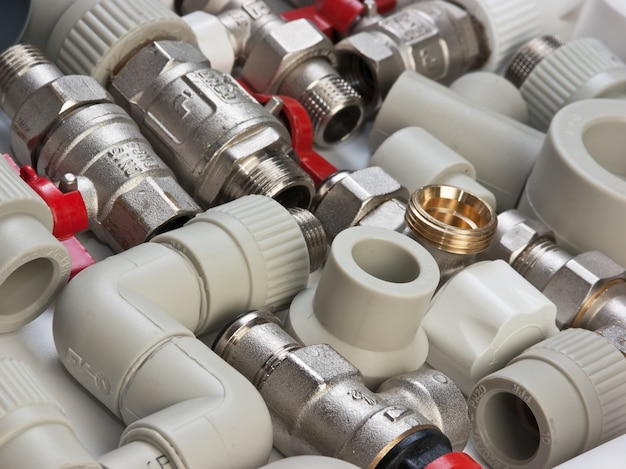 Set plumbing fittings