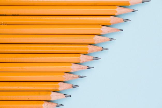Set of sharp graphite pencils