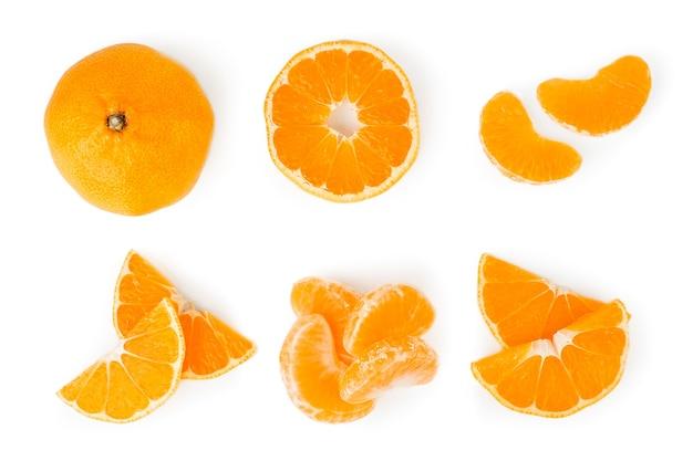 Набор мандаринов, половина, дольки в другой форме изолированы