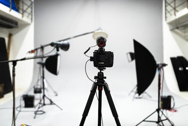 Allestimento di un servizio fotografico in studio