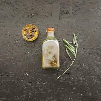 Набор с бутылкой масла и пластины