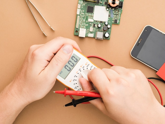 Setting a multimeter for diagnosing