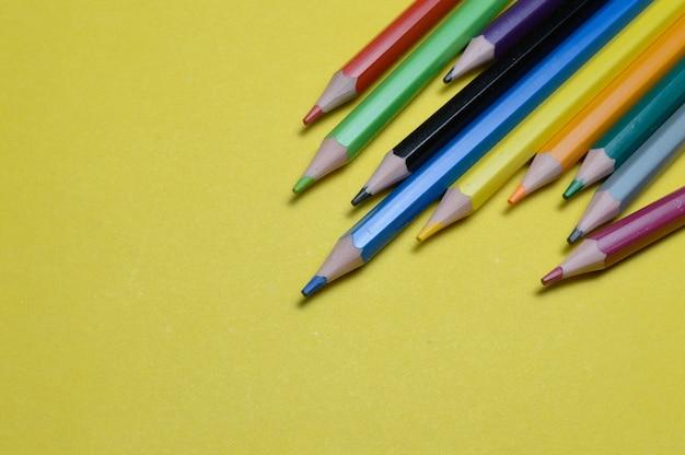 여러 가지 색연필
