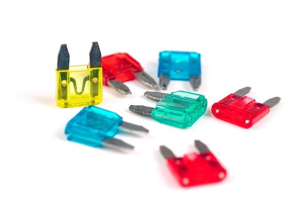 ヒューズボックス用のいくつかの色とりどりの車のヒューズ車の電気ヒューズの交換 Premium写真