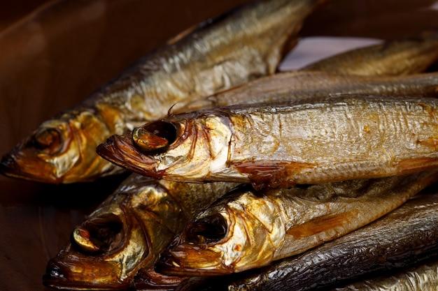 Несколько сардин крупным планом. изысканная рыба