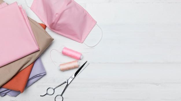 ピンクの布マスク用ソーイングキット