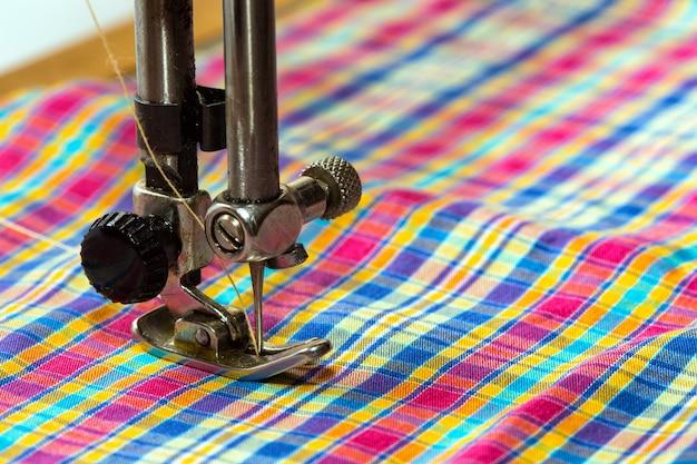ミシン-縫製段階の縫製プロセス