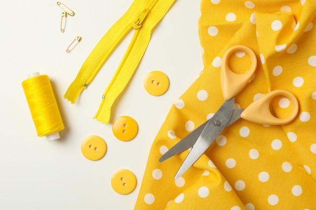 裁縫用品と生地