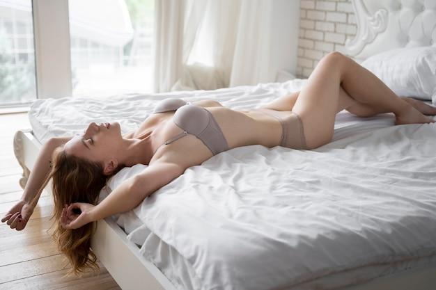 若い女性の性的セルフケア