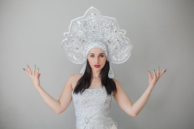 새해 러시아 kokoshnik 섹시한 여자 눈의 여왕