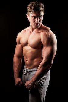 섹시 근육 피트니스 남자