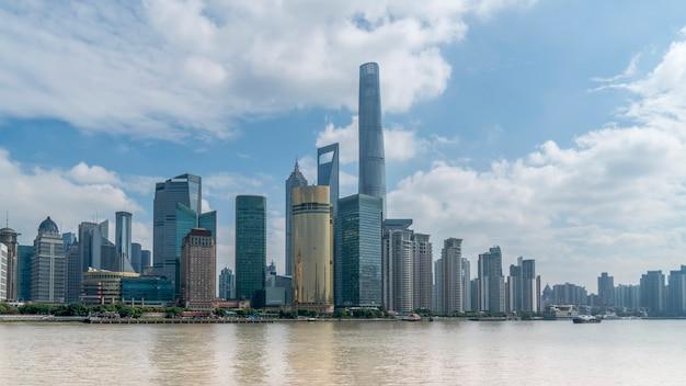 Офисное здание финансового района шанхай луцзяцзуй