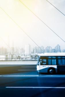 Вид на улицу шанхая с видом на город