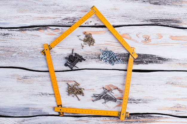 Форма дома и строительные материалы