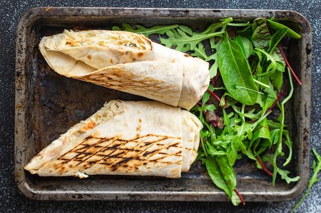 Shawarma doner kebab sandwich roll burrito vegan vegetables