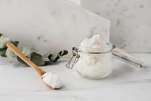 Shea butter beauty treatment arrangement